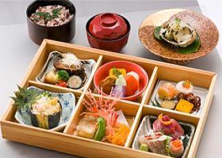 箱膳会席料理(回収容器)